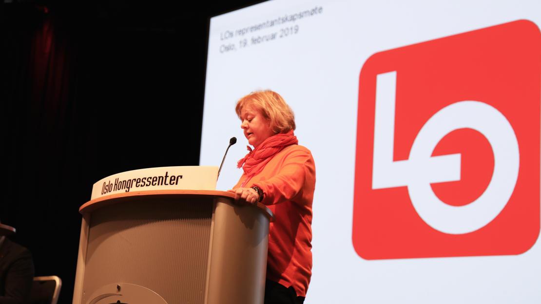 Mimmi Kvisvik taler på LOs representantskap