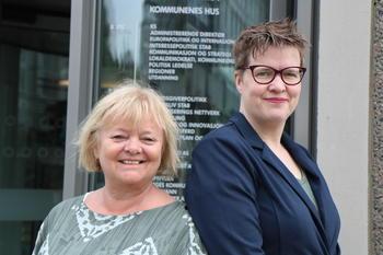 FO: Forbundsleder Mimmi Kvisvik og forhandlingsrådgiver i FO, Helga Melsom, har deltatt i forhandlingene på vegne av FO.