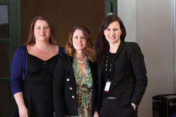 Kathrine Haugland Martinsen (s), Irmelin Sangolt Tjelflaat (b) og Marianne Solberg Johnsen (v) er nye i FOs arbeidsutvalg. (Foto: Sunniva Roumimper).