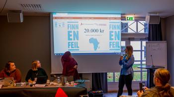 BEVILGER PENGER: FO-Studentene bevilger 20.000,- til støttekomiteens arbeid for et fritt Vest-Sahara