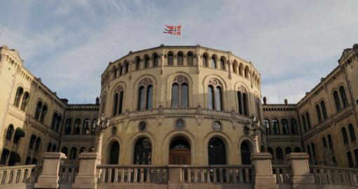 I dag vedtok Stortinget Regjeringens koronalov