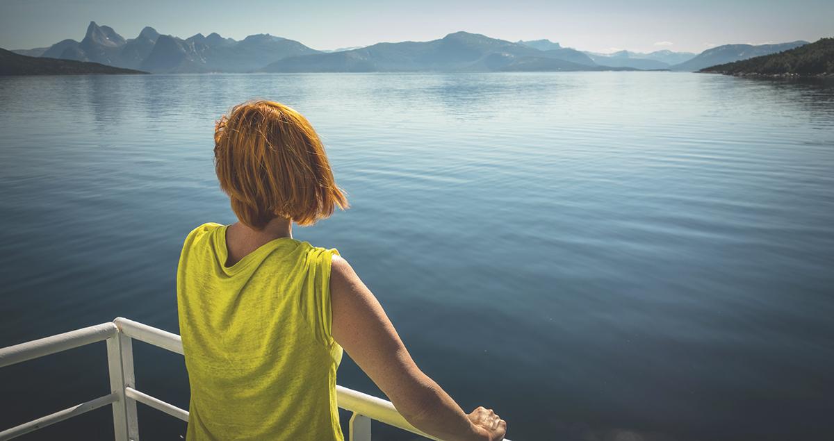 Person på båt. Foto.